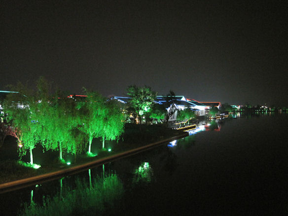 Suzhou-lake1.jpg